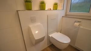 wc und urinal-min
